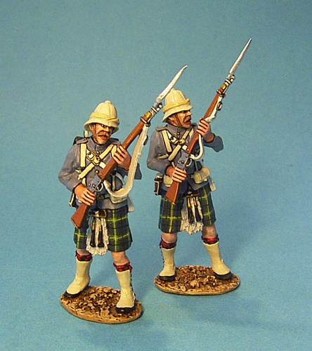 2 Highlanders At The Ready