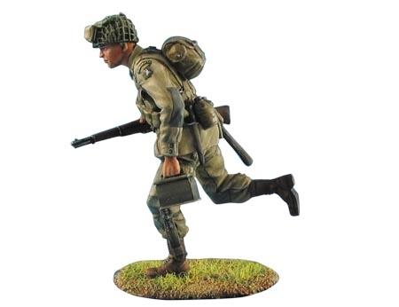 US Airborne Paratrooper Running with M1 Garand and Ammo Box