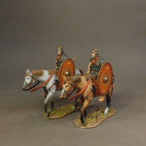 ARMIES AND ENEMIES OF ANCIENT ROME, ROMAN AUXILIARY CAVALRY, 2 Cavalry Walking with Red Shield #1.