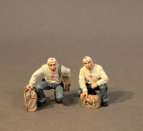 USS SARATOGA (CV-3), FLIGHT DECK MEDICAL TEAM. (2pcs)